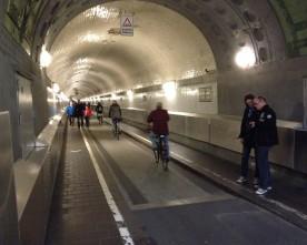 På cykel under Elben